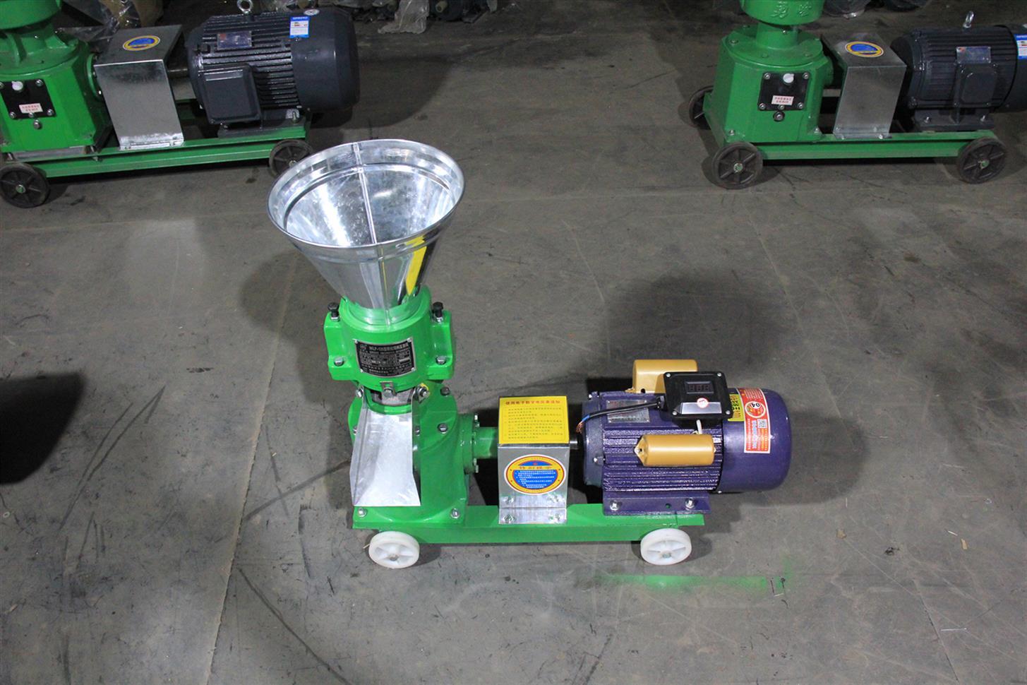 豬牛羊雞鴨鵝兔鴿飼料顆粒機 小型家用兩相電飼料顆粒機 廠家包郵