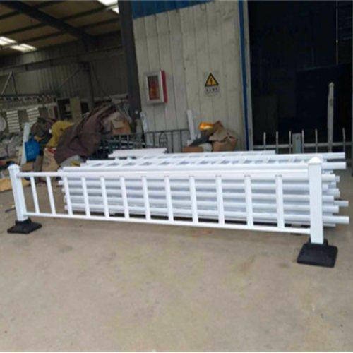交通护栏产地 生产交通护栏作用 DC/帝灿 供应交通护栏公司