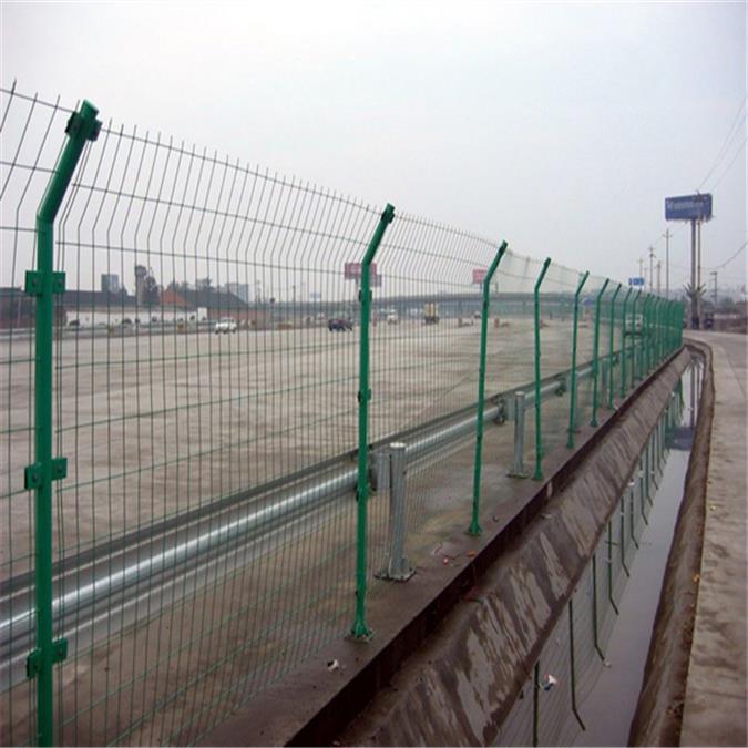 隔离栅隔离栅隔离栅 水渠防护栏 铁路防护栅栏网