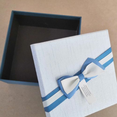 专业定做 礼品包装盒 创意彩色礼品盒 化妆品包装纸盒 可加印logo