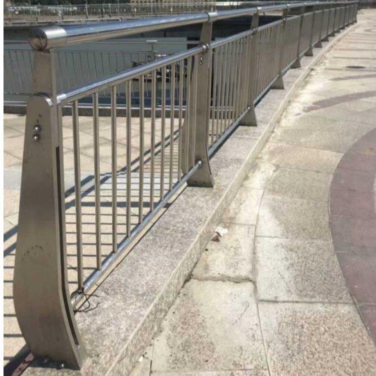 景观桥梁钢栏杆生产加工 飞龙 防撞桥梁钢栏杆
