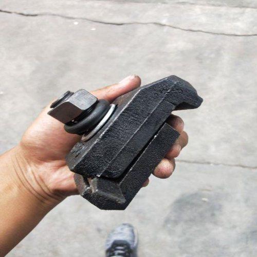 铸钢压轨器现货批发 杨赵紧固件 CGTK压轨器加工