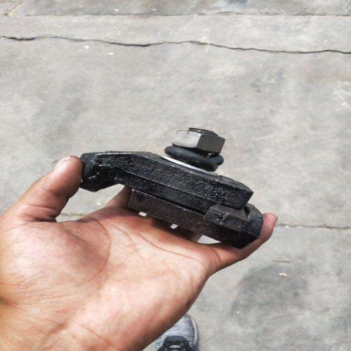 双孔压轨器批发商 弹条压轨器大量生产 杨赵紧固件