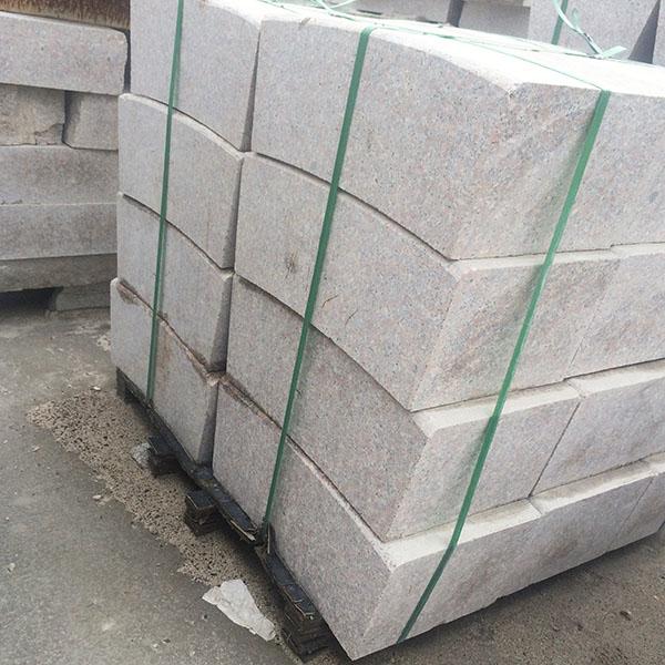 工程用大理石路沿石 博泰石材 公园用大理石路沿石