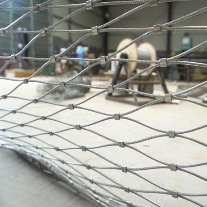安全防护学校不锈钢防坠网  吊桥防坠落钢丝绳围栏网