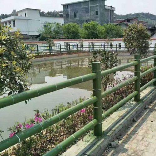 池塘仿竹护栏商家 园林仿竹护栏定制  山东丽景建材