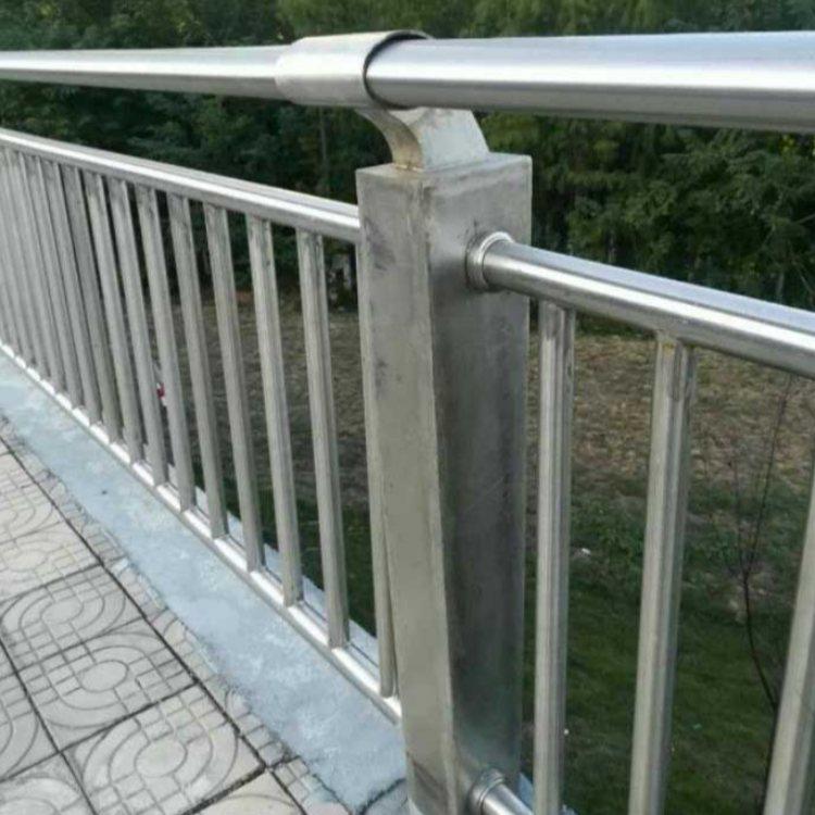 户外不锈钢防撞护栏定做 航拓 304不锈钢防撞护栏现货
