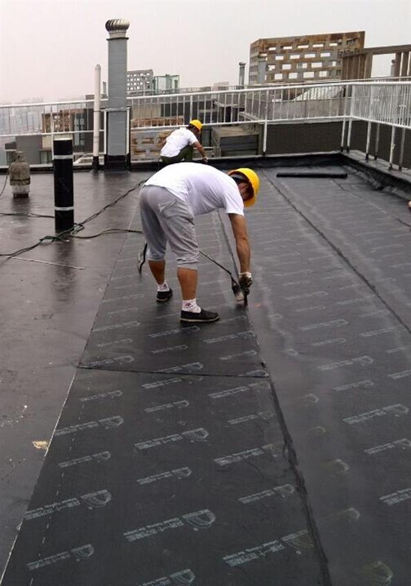 安康专业屋面漏水维修费用 房顶维修 您正确的选择