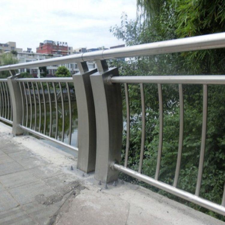 公路桥梁钢护栏定做 飞龙 景观桥梁钢护栏