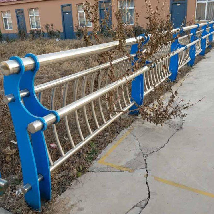 公路不锈钢复合管栏杆批发 诚涵 不锈钢复合管栏杆采购