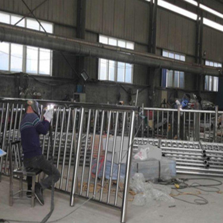 不锈钢复合管护栏采购 彩色不锈钢复合管护栏现货 聚晟