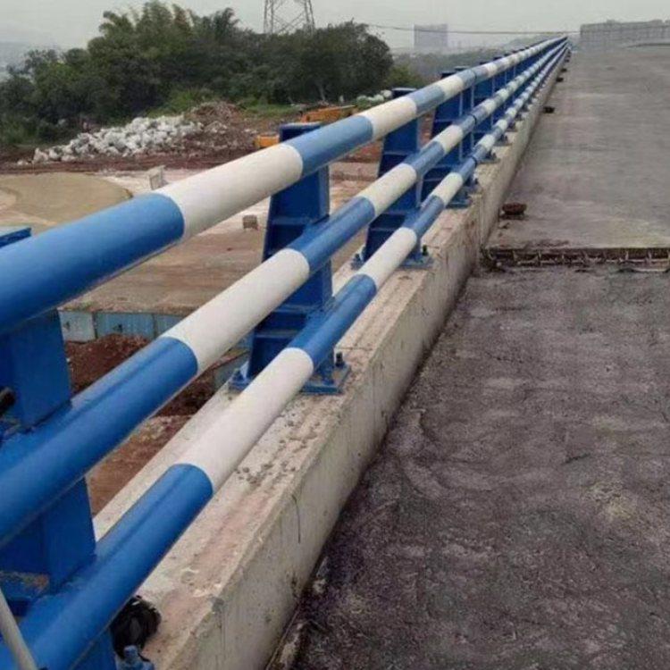河道防撞钢栏杆定制 喷塑防撞钢栏杆定做 聚晟