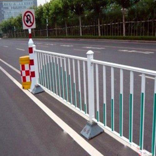 城市交通护栏厂  交通护栏用途 鲁恒
