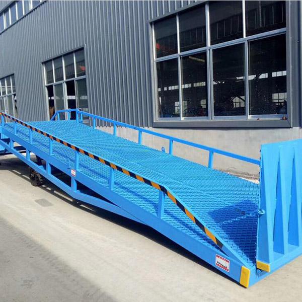 丰润液压 液压移动式登车桥定做 现货供应移动式登车桥优质供应商