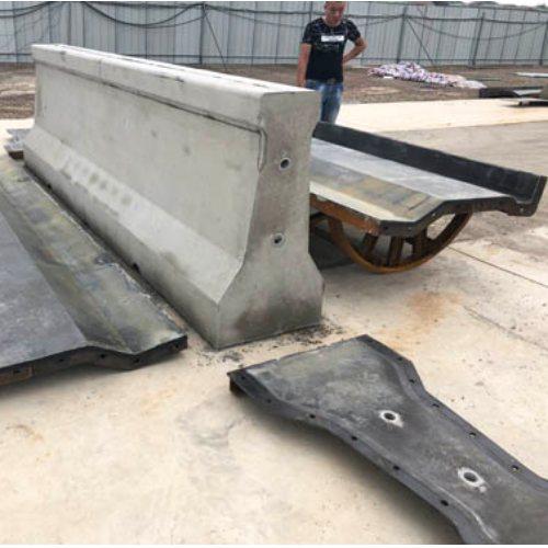定制防撞墙模板价格 乐丰模具 防撞墙模板防撞墙模具