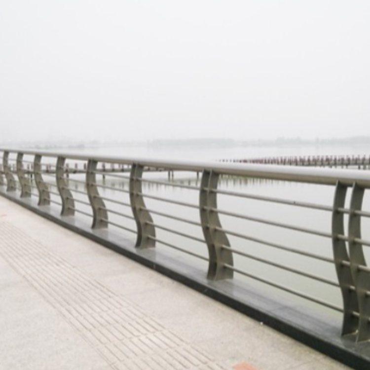 神龙 专业桥梁河道护栏定做 优质桥梁河道护栏销售