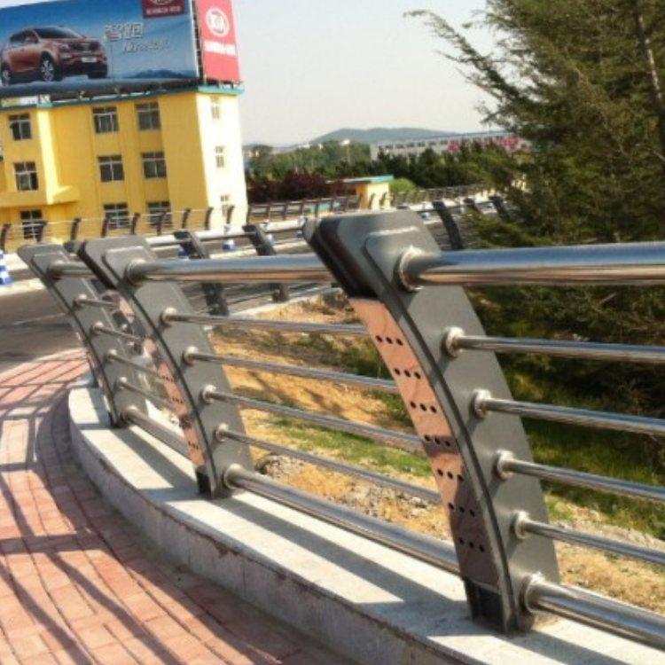 阳台不锈钢防护栏加工 201不锈钢防护栏厂商 神龙