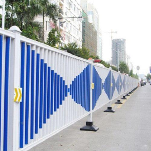 城市交通护栏撞坏 交通护栏 鲁恒