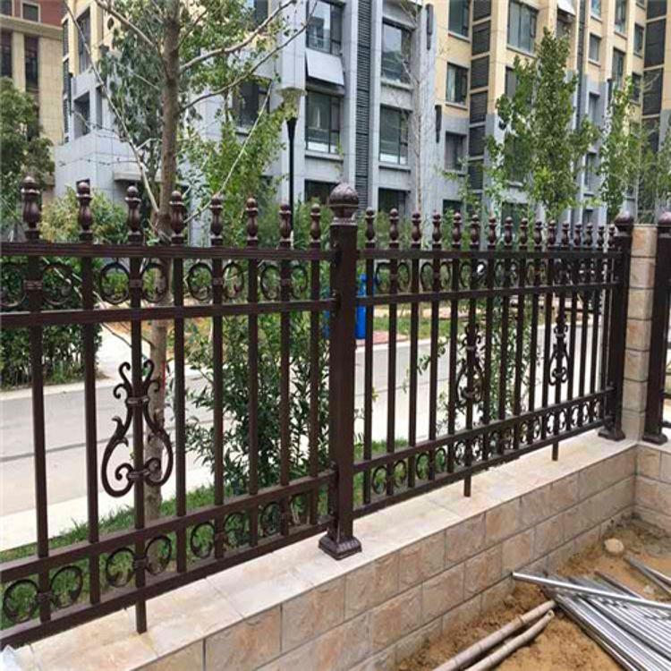 厂家铝艺围墙 营顺金属 铝合金阳台护栏价格铝艺围墙铝艺护栏厂家