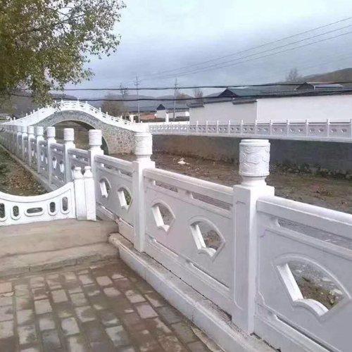 池塘仿石栏杆报价 木色仿石栏杆订购 丽景建材