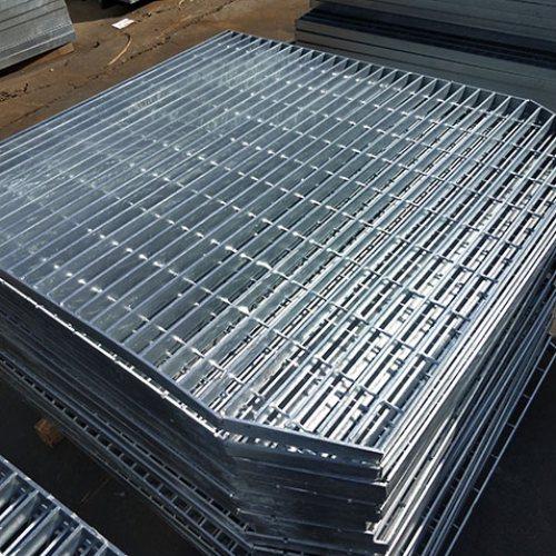 机器压焊钢格板技术咨询 鸿孚格栅板 钢格板特价供应