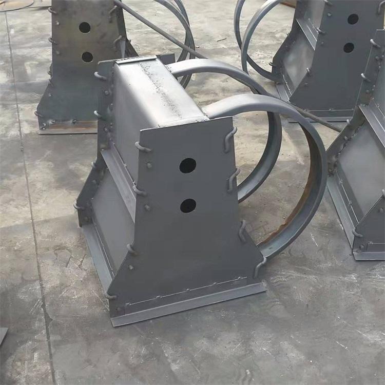 高速防撞墩模具制造厂 鑫火钢模具 防撞墩模具制造厂