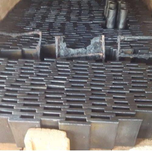 超鸿橡塑 电厂铸石板定做 玄武岩铸石板生产商 耐磨铸石板制造商