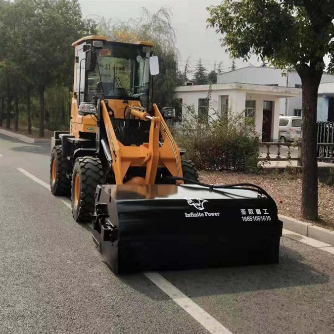 柳工装载机改清扫车 铲车扫路机 装载机配清扫器 加装滚刷扫地