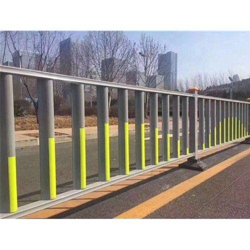 交通护栏供应商 交通护栏配件 专业生产交通护栏报价 巨煜金属