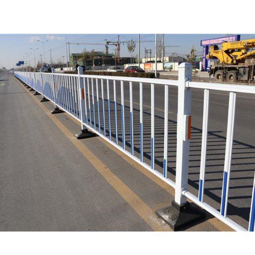 交通护栏规格 金朋 供应交通护栏厂 专业交通护栏参数