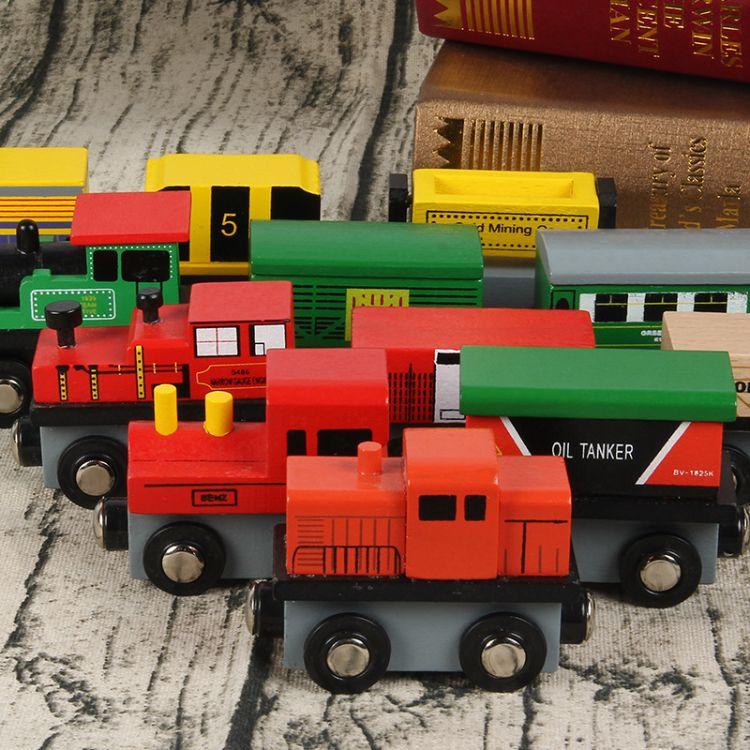新品磁性小火车木质木盒装12款小火车头生日礼物儿童早教益智玩具