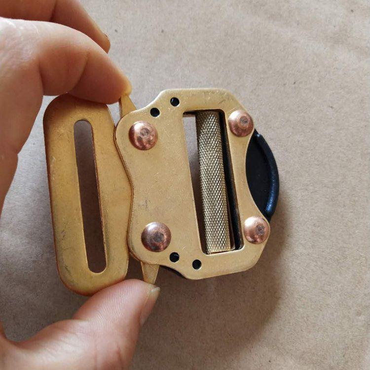 厂家现货批发安全带收紧复古铜插扣 高档黄铜锁扣开关锁五金配件