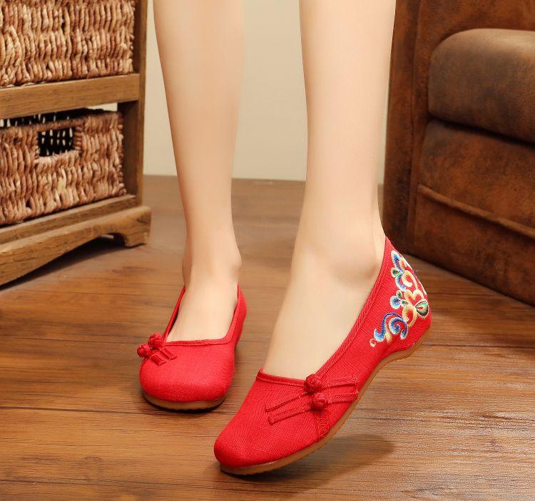 16z-191新款复古盘扣女汉服舞蹈鞋女单鞋老北京布鞋亚麻绣花旗袍