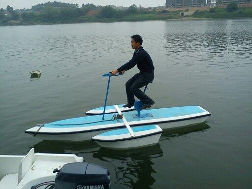 水上自行车 脚踏船 水上乐园设施