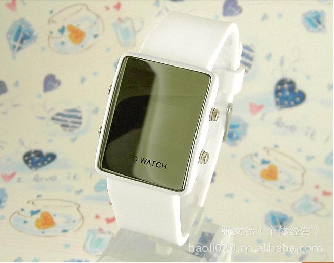 现货批发二进制方形镜子化妆手表 LED硅胶电子手表