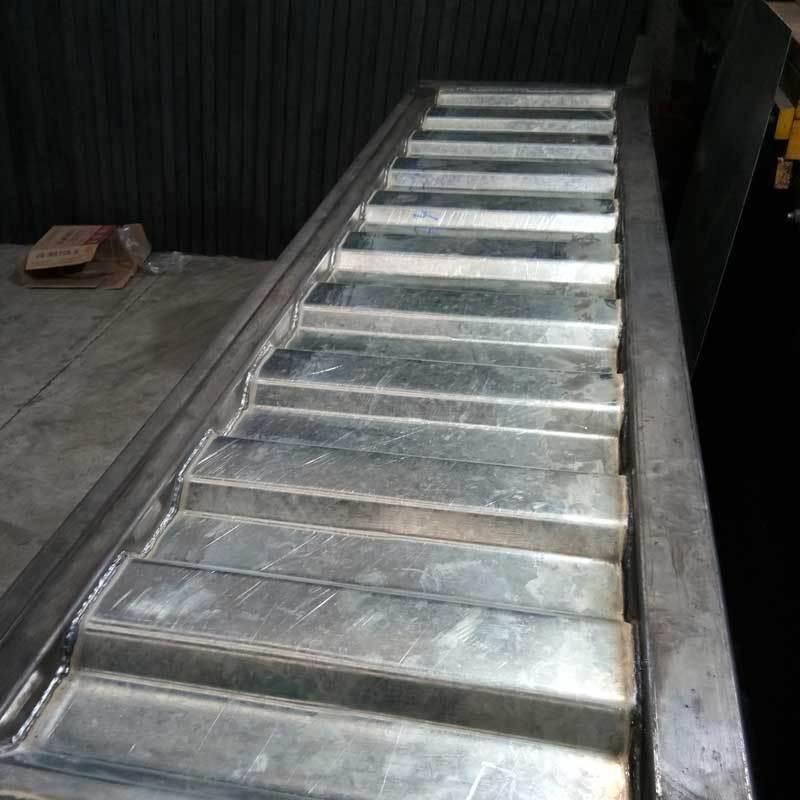 定做货车侧板 半挂平板货车车厢栏板 瓦楞板加外框焊接整体焊接