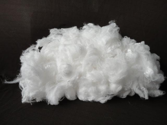 厂家直销竹炭纤维原料(1.5D*38mm)填充功能性纤维白竹炭棉
