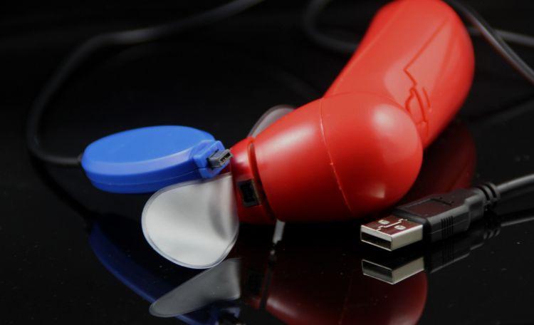 LED改字小风扇烧录小风扇迷你创意礼品风扇夏日手拿小电扇