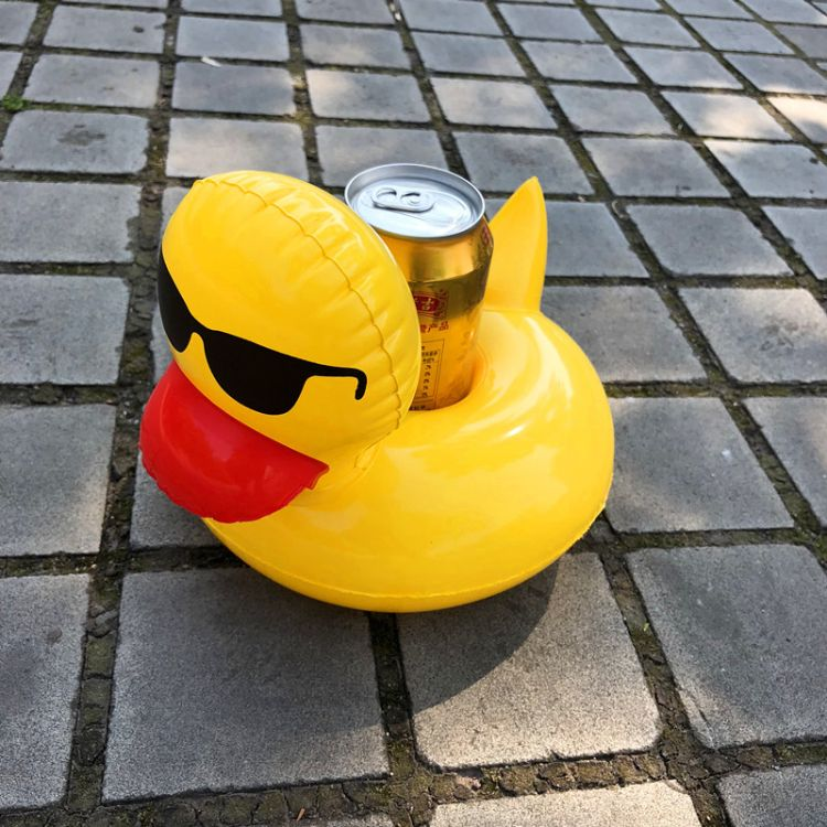现货供应 戴墨镜小黄鸭杯垫水上充气杯座漂浮饮料杯托 可混批