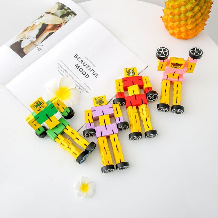 儿童玩具批发木质汽车人益智变形木头机器人手玩模型变形金刚玩具