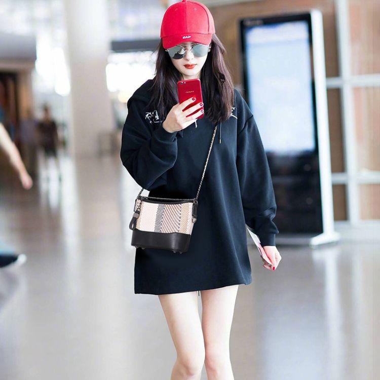 明星同款韩版新款草编女包时尚百搭流浪包单肩斜跨女士链条包包潮