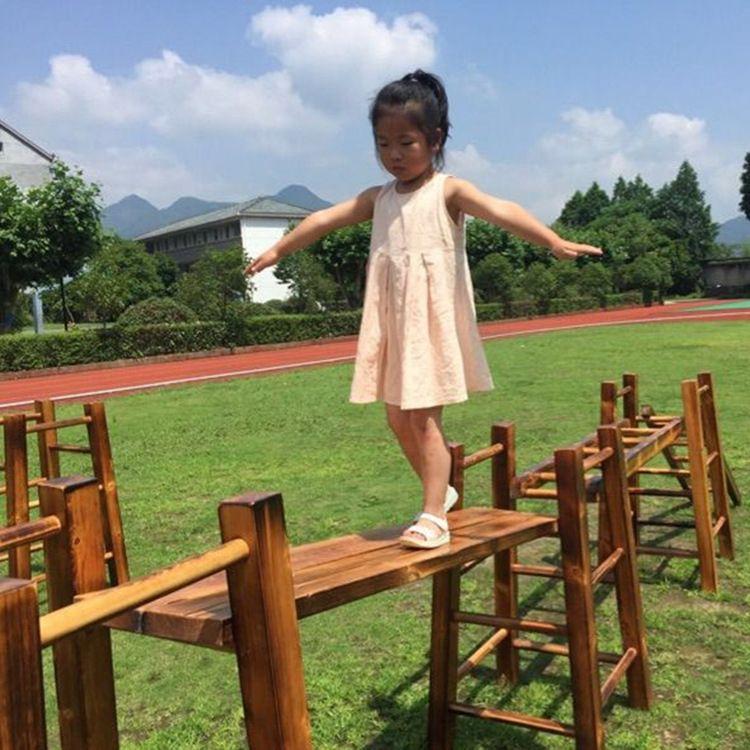 幼儿园户外碳烧爬梯攀爬架 平衡木玩具 儿童木制游乐攀爬梯子组合