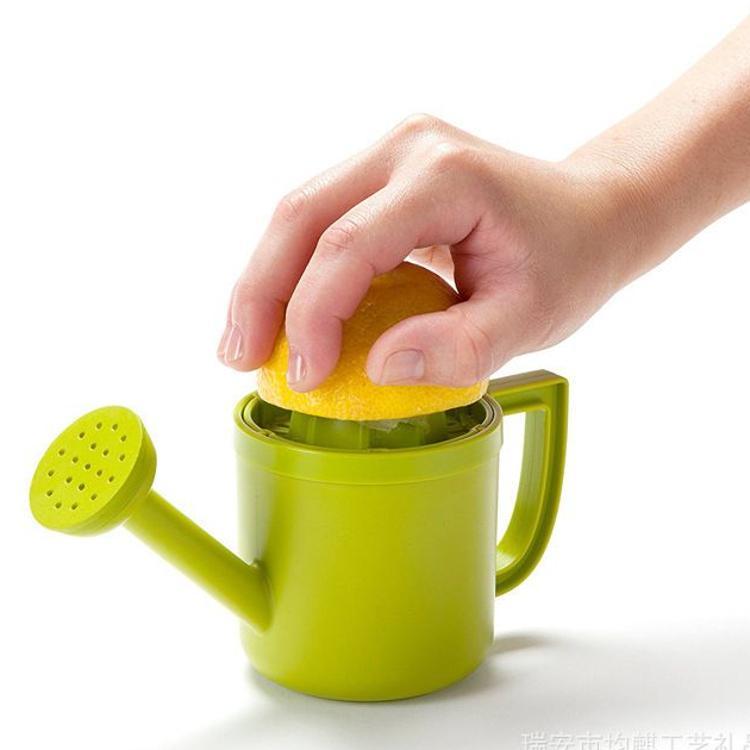 洒水壶柠檬手动榨汁机 洒水壶榨汁机 lemon juicer