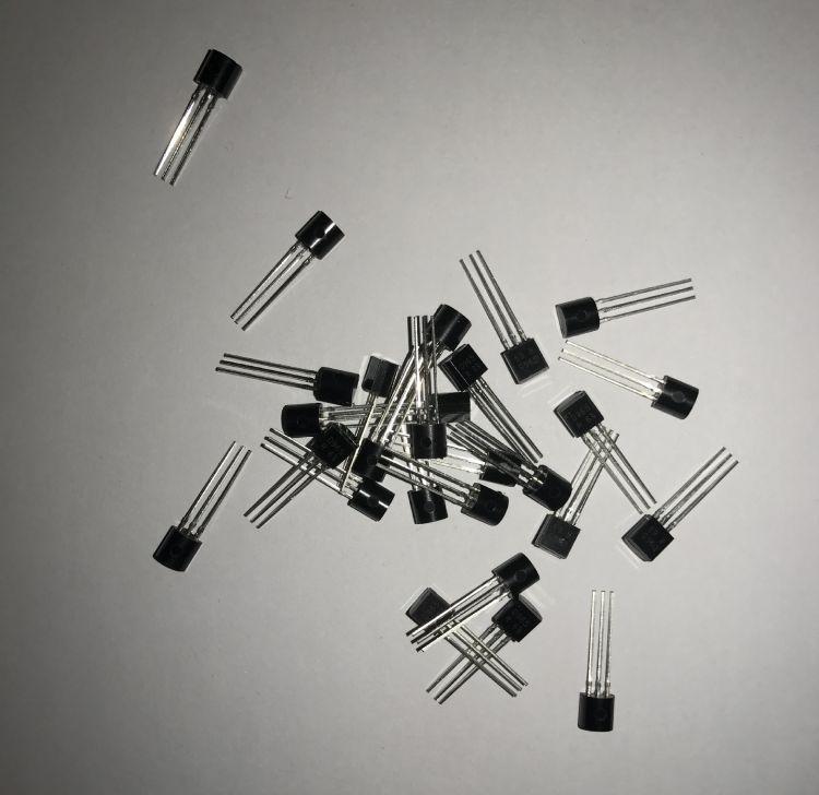 厂家直销节能灯控制板常用开关三极管BU102 无铅环保 原装正品