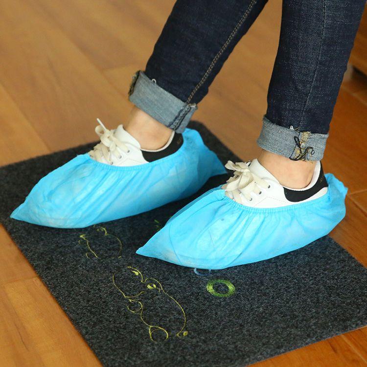 厂家直销一次性鞋套 加厚塑料CPE防水防滑一次性脚套100只装批发