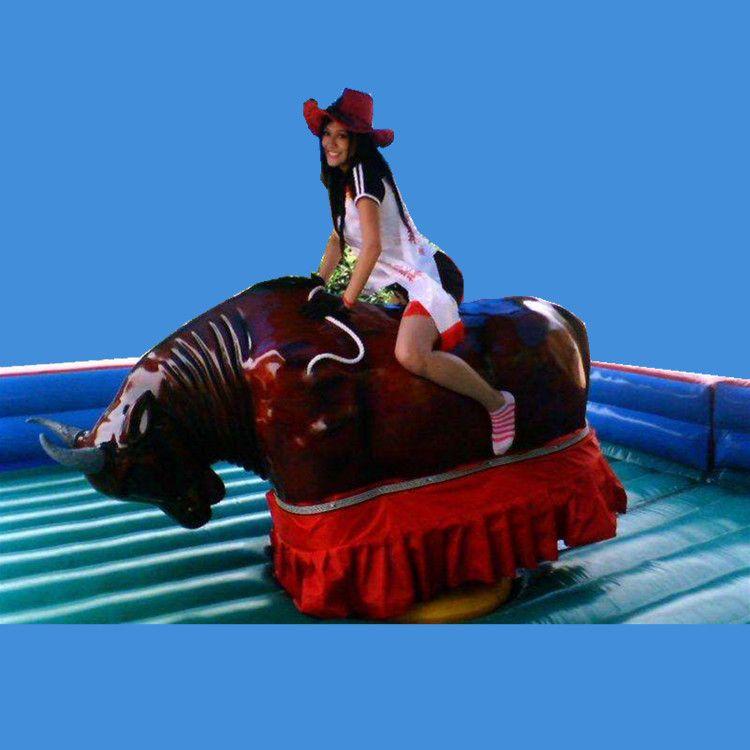 中小型娱乐设施疯狂斗牛机  拓展器材斗牛机 户外斗牛机游乐设备