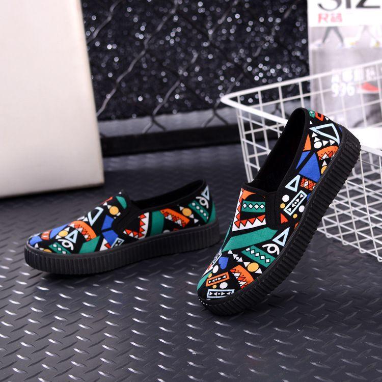 厂家直销新款松糕底涂鸦女士布鞋老北京印花休闲布鞋舒适学生鞋