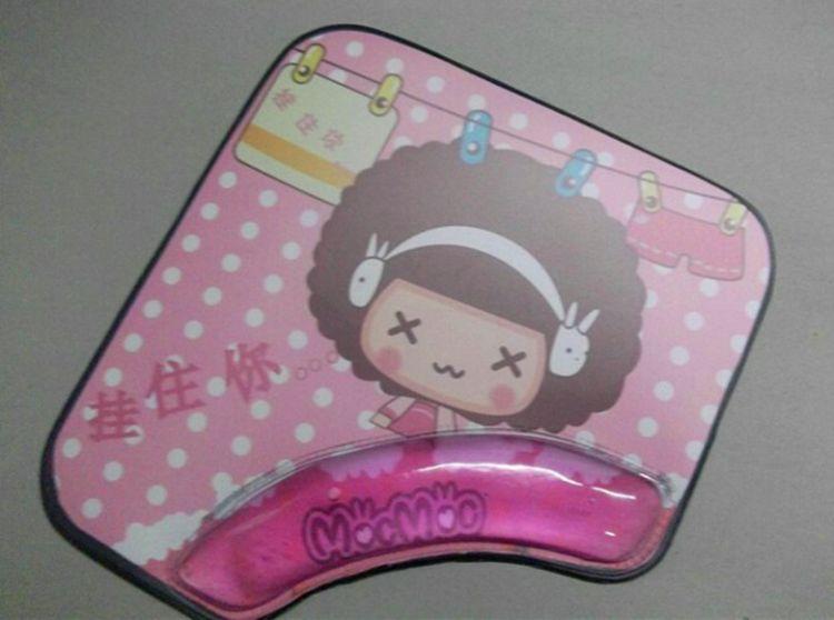 供应新款办公护手鼠标垫 PVC入油鼠标垫