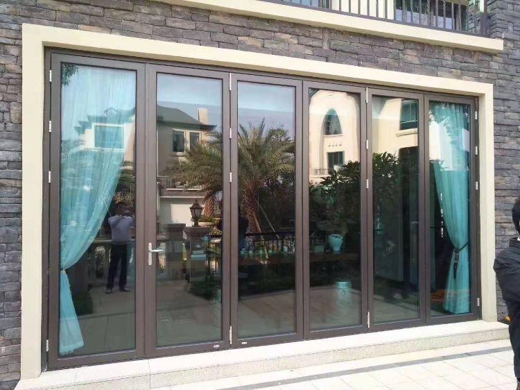 铝合金折叠门厂家 十年专注于别墅门窗 别墅大空间开启入户门 阳台大门