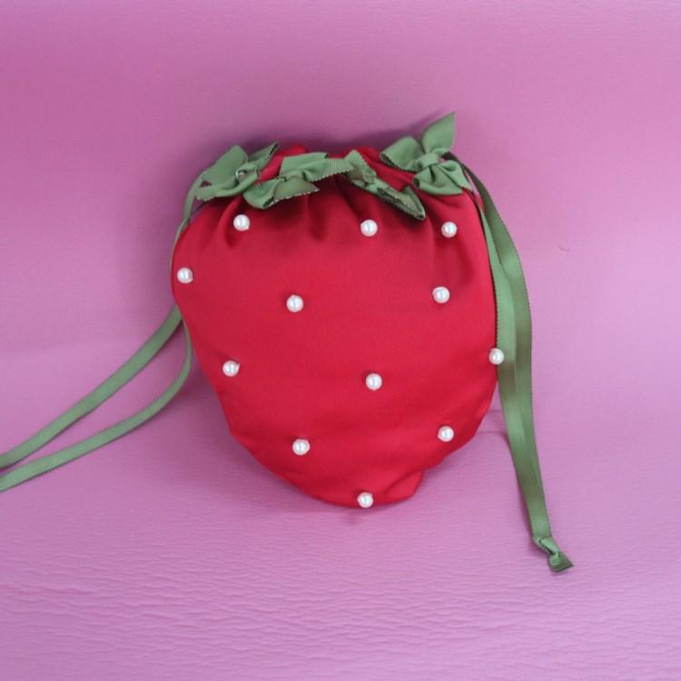 深圳厂家定做女士手提袋手机零钱钥匙草莓形状仿真丝双层束口袋